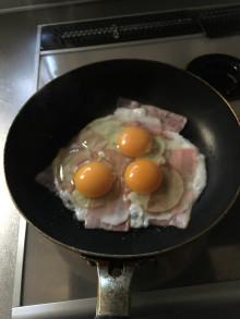 ベーコンエッグを作る感じでココまで進めます。