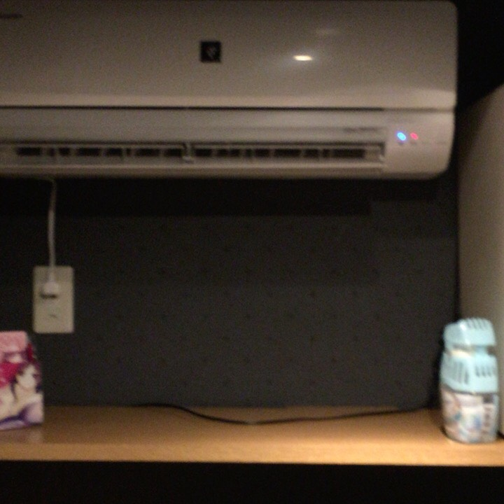 個室ビデオDVD鑑賞ボックスの様子 エアコン