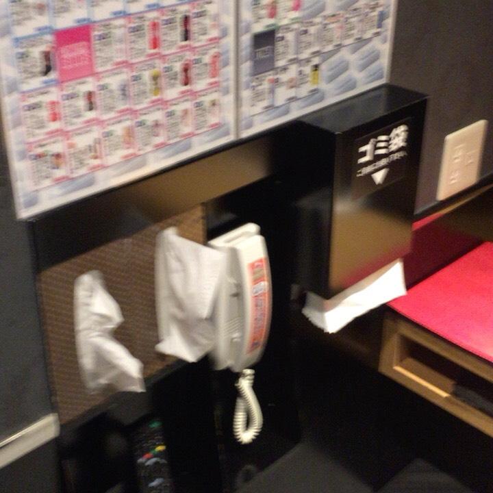個室ビデオDVD鑑賞ボックスの様子 部屋の様子