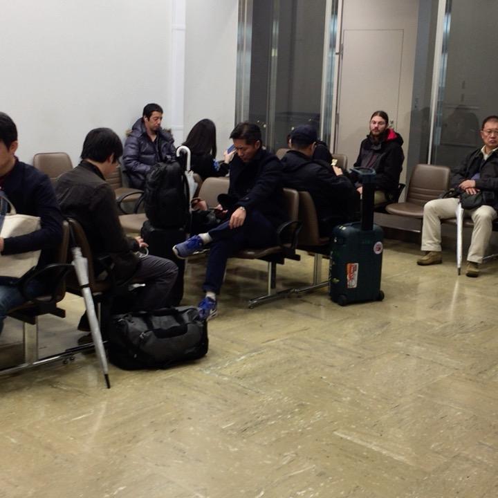 新宿バスタの待合室の様子