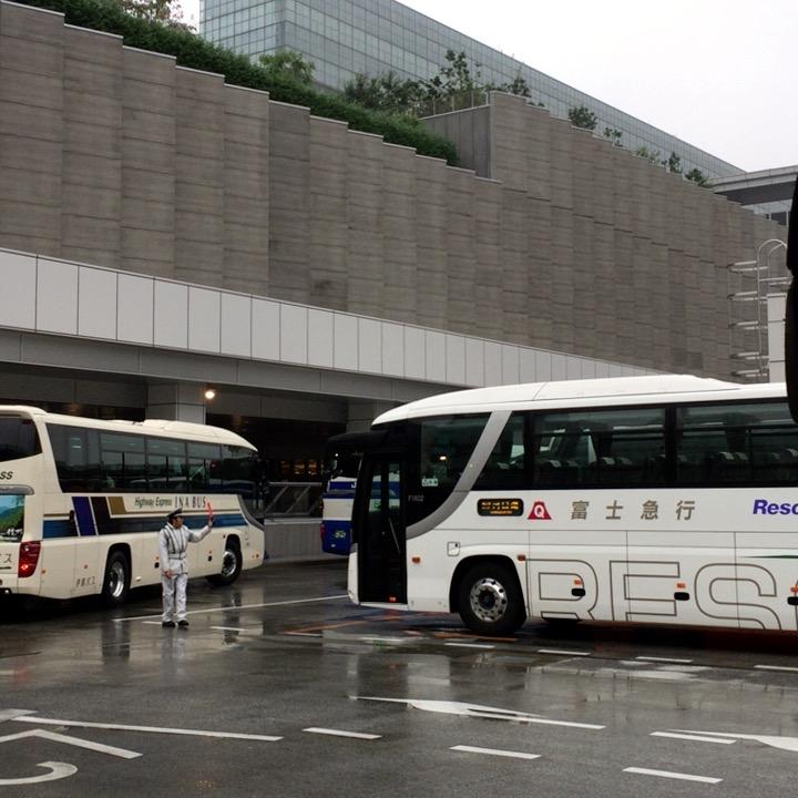 新宿バスタの4階バスターミナルの様子