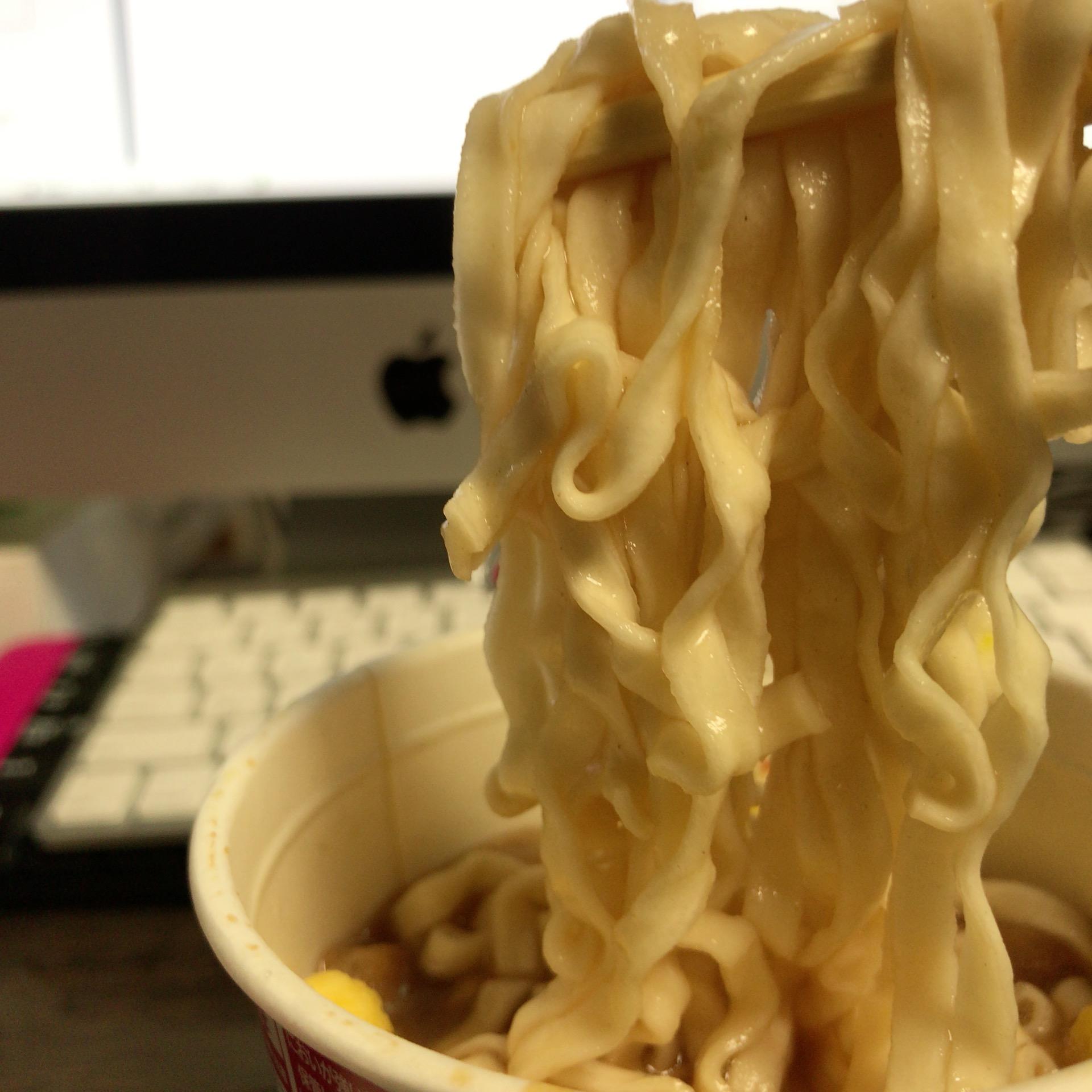 麺のどアップ