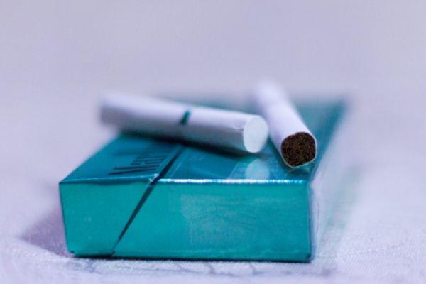 加熱式タバコ(アイコス)はハゲに悪いのか?ぶっちゃけハゲるの?ハゲないの?
