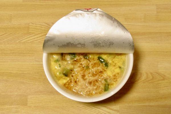 理容師・美容師がカップラーメンを食べるときに箸がない場合のたった1つの代用法。