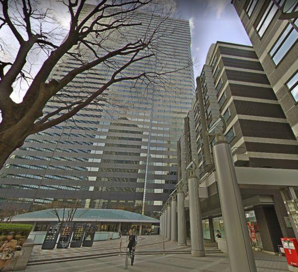 新宿アイランドタワー院外観