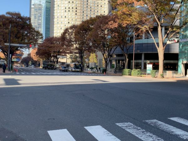『議事堂北』の交差点付近の様子